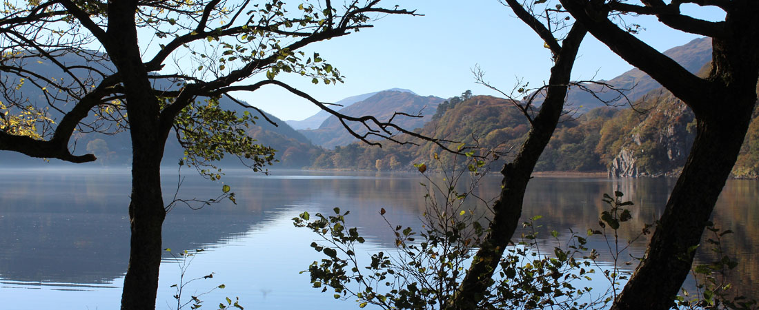 Llyn Gwynant autumn lake_home